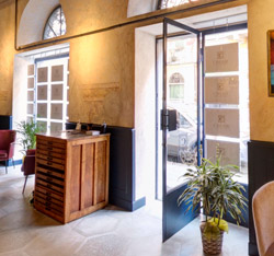 Agenzia Immobiliare Cavour